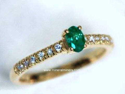 Large Image of alxj122_natural-alexandrite-ring
