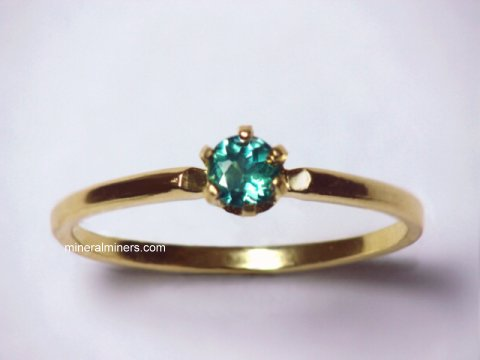 Large Image of alxj150a_natural-alexandrite-ring