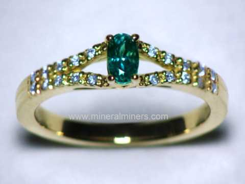 Large Image of alxj221_natural-alexandrite-ring