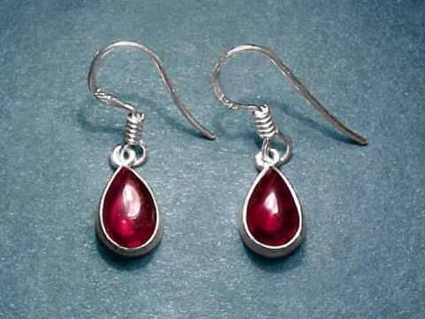Large Image of almj169_red-garnet-earrings