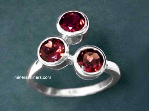 Large Image of almj175_red-garnet-ring