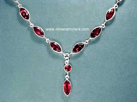 Large Image of almj179_red-garnet-necklace