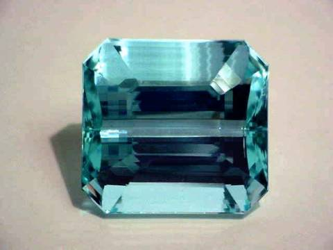 Large Image of aqug171r_aquamarine-gemstone