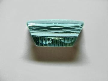 Large Image of aqug229_aquamarine-gemstone