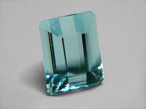 Large Image of aqug242_aquamarine-gemstone