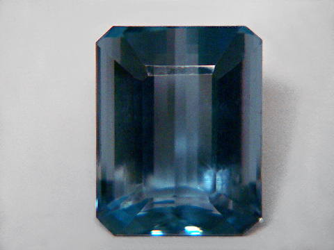 Large Image of aqug245_aquamarine-gemstone