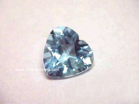 Large Image of aqug260a_aquamarine-gemstone