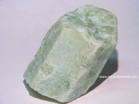 Large Image of aqum417_aquamarine-crystal-specimen