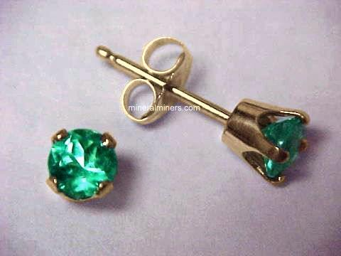 Large Image of emej126y_emerald-earrings