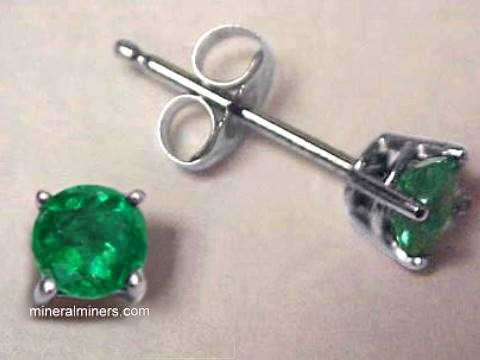Large Image of emej200a_emerald-earrings