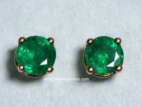 Large Image of emej207a_emerald-earrings