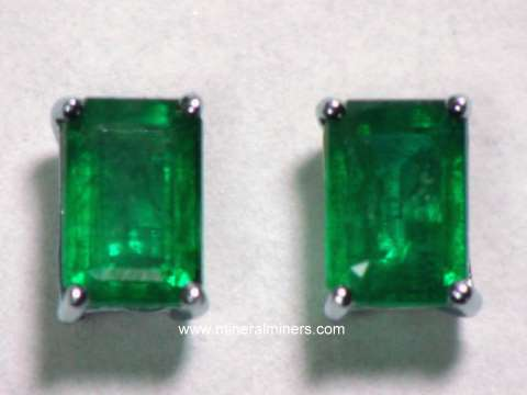 Large Image of emej210_emerald-earrings