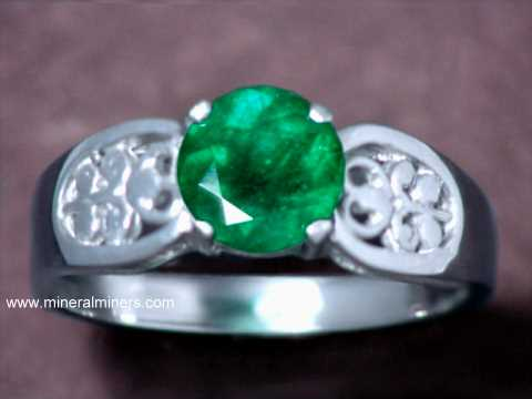 Large Image of emej235_emerald-ring