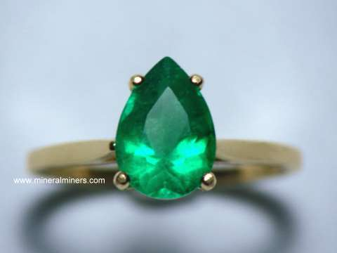 Large Image of emej237_emerald-ring