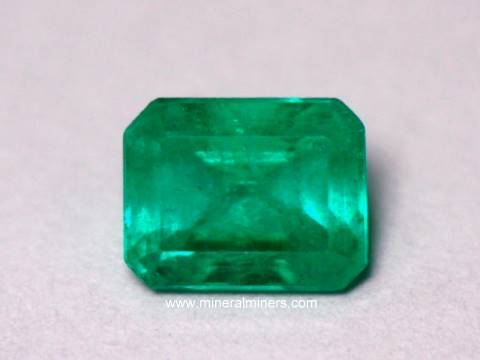 Large Image of emeg137_emerald-gemstone