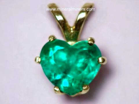 Emerald Jewelry Pendant