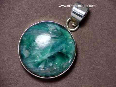 Large Image of kyaj212_kyanite-jewelry
