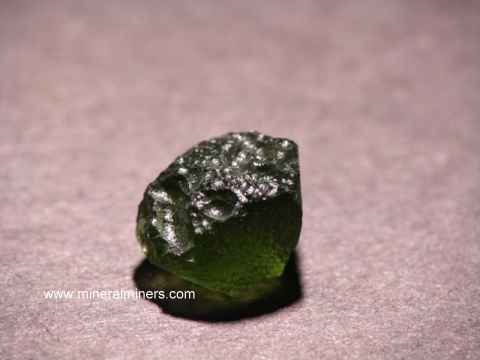 Large Image of molm364_moldavite