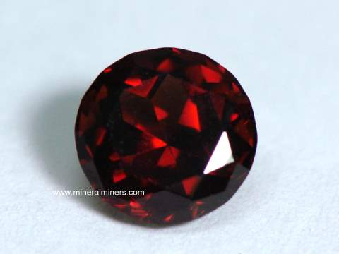 Large Image of mozg101a-red-garnet-gemstone