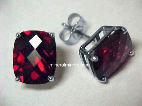Large Image of mozj107_red-garnet-earrings