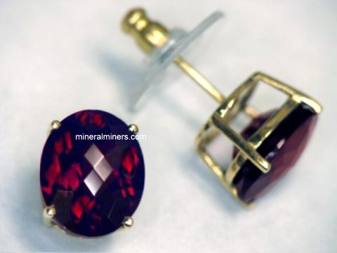 Large Image of mozj117a_red-garnet-earrings