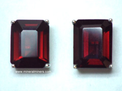 Large Image of mozj126-red-garnet-earrings