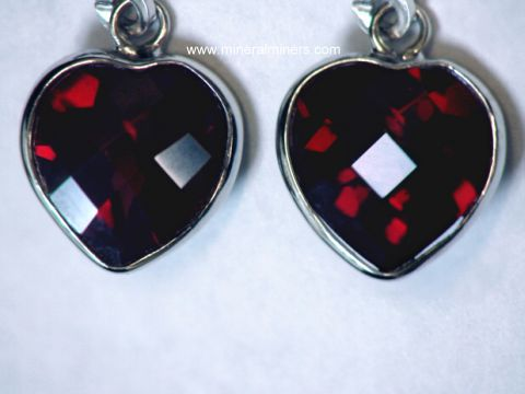 Large Image of mozj129-red-garnet-earrings