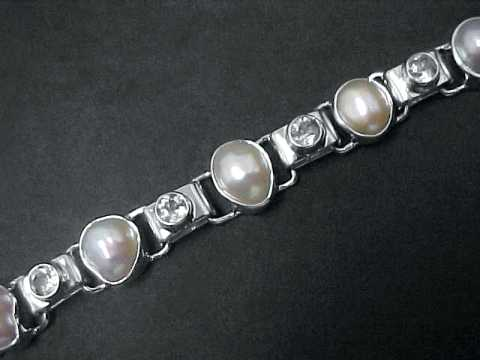 Large Image of pearl-jewelry107