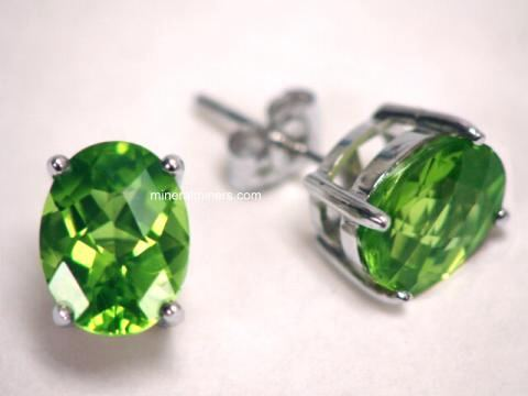 Large Image of perj200_peridot-earrings