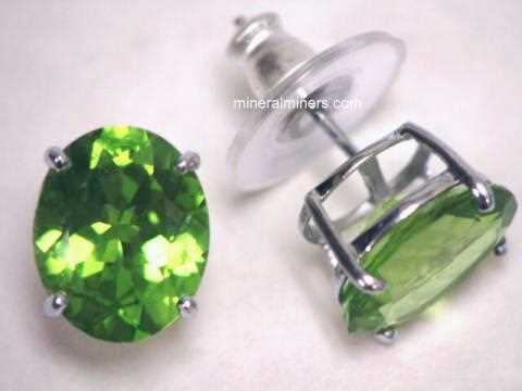 Large Image of perj204_peridot-earrings