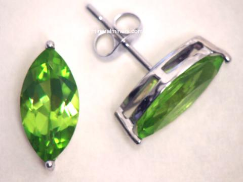 Large Image of perj235_peridot-earrings