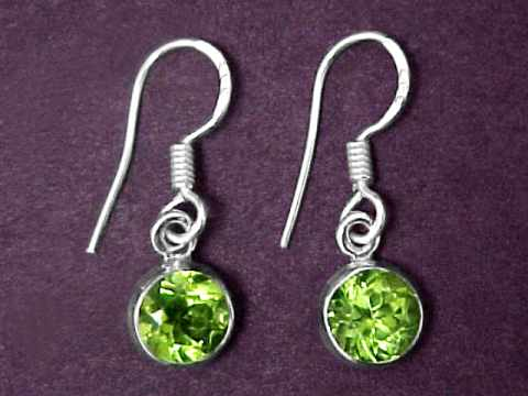 Large Image of perj246_peridot-earrings