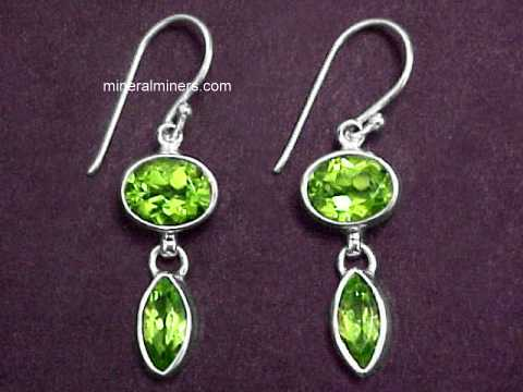Large Image of perj254_peridot-earrings