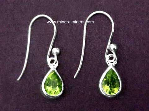 Large Image of perj259_peridot-earrings
