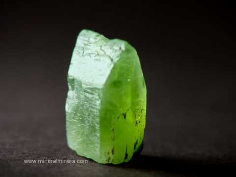 Large Image of perm299_peridot-crystal