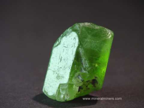 Large Image of perm300_peridot-crystal