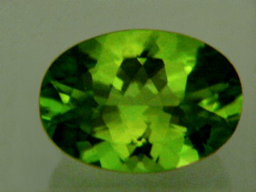 Large Image of perg167-peridot-gemstone