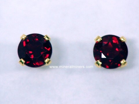 Large Image of pyrj101aa_red-pyrope-garnet-earrings