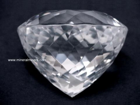 Large Image of rkxg158_quartz-crystal-gemstone
