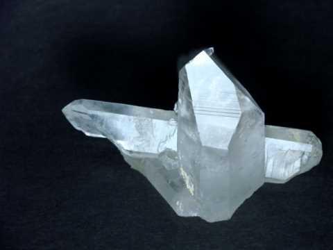 Quartz Crystals: natural quartz crystal