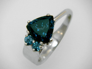 Large Image of spij157_blue-spinel-jewelry