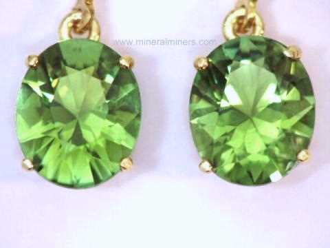 Large Image of tgrj341_green-tourmaline-earrings