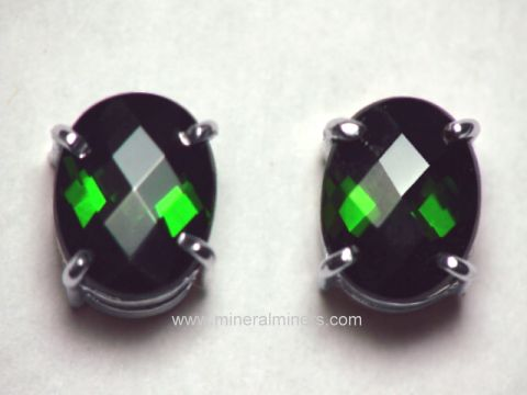 Large Image of tgrj342_green-tourmaline-earrings