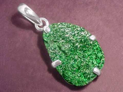 Large Image of uvaj145_uvarovite-druse-jewelry